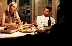 Gwyneth Paltrow, Brad Pitt and Morgan Freeman in a scene